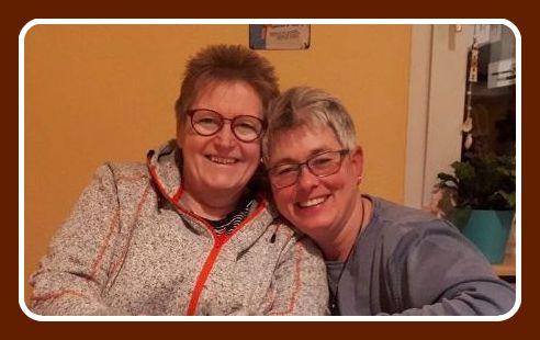 Nicole Idel und Rosa Ananitschev - Bibliothekskolleginnen (Wuppertal und Lüdenscheid)