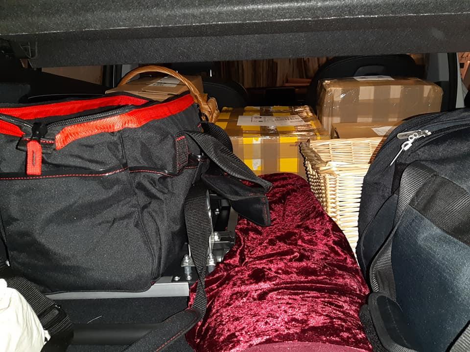 So - mit vollgepacktem Auto - begann die Reise ...