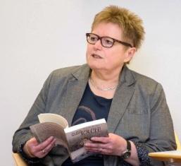 Rosa Ananitschev liest aus ihrem Buch, 2016